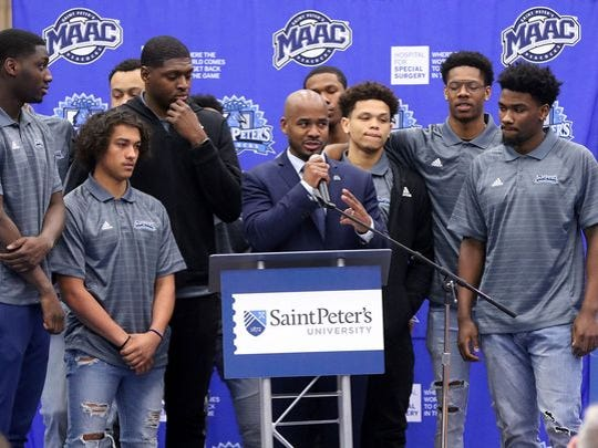 Shaheen Holloway at his introductory press conference at Saint Peter's in April.
