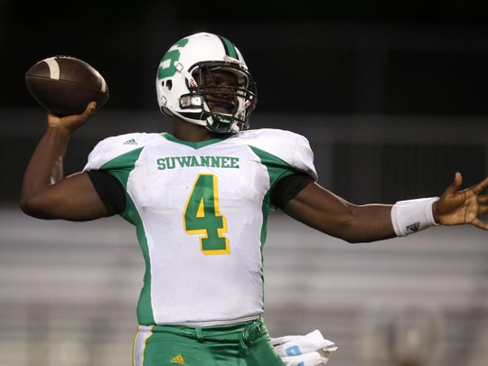Suwannee's Steven Anderson throws the ball against Leon during their game at Cox Stadium last year. Anderson will guide the Bulldogs against Leon to open the 2016 season.