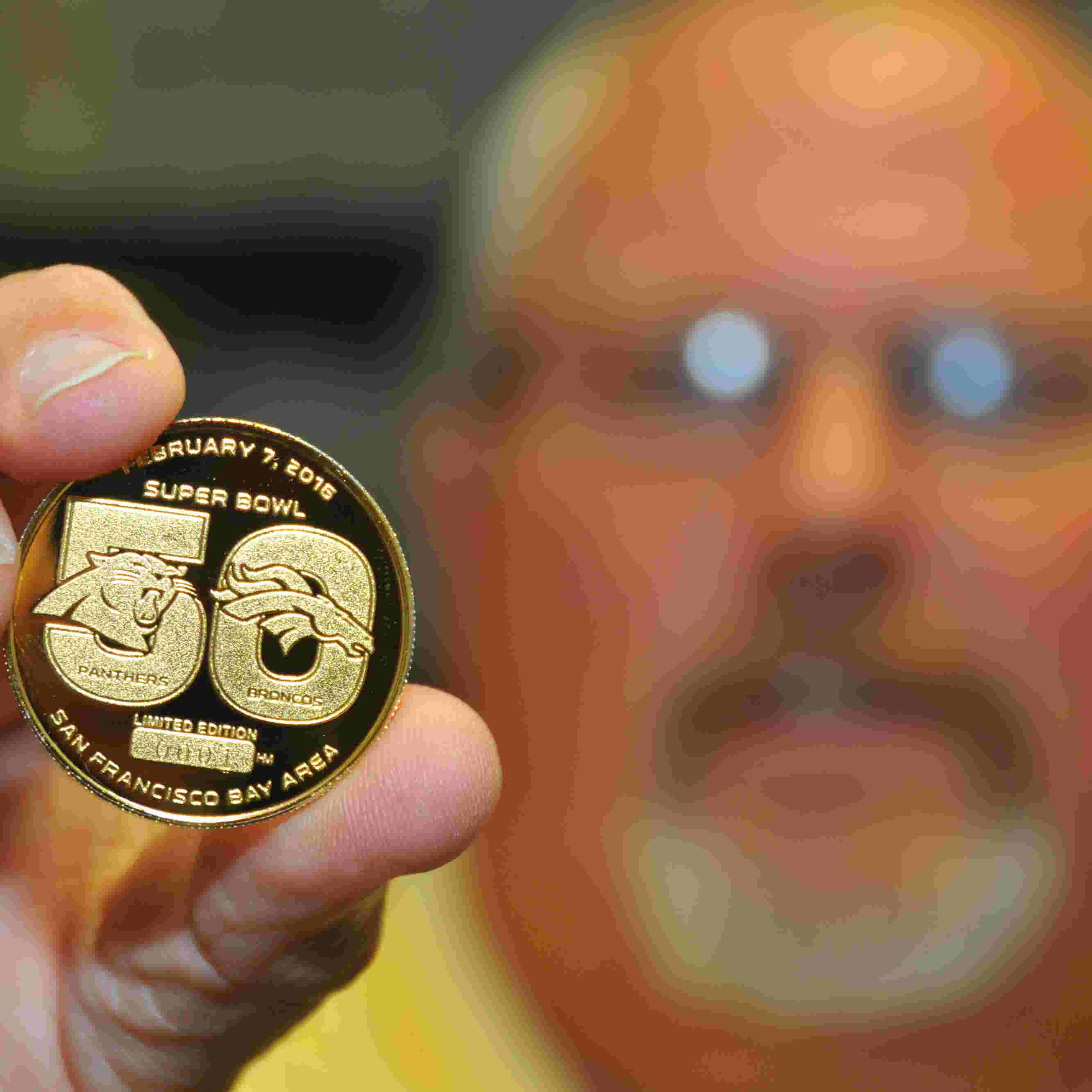 Video Gold Coin Of Super Bowl 50