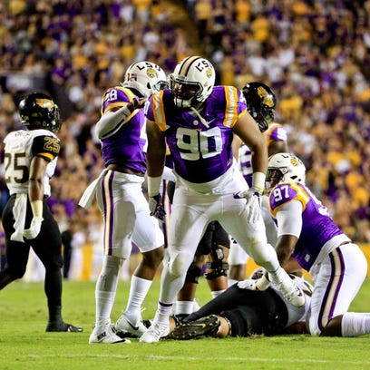 'To dominate them, it felt good,' DE Rashard Lawrence on blanking LSU offense in scrimmage