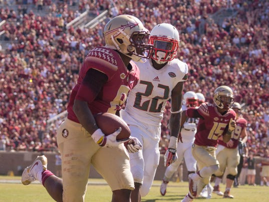 635810227852929908-FSV-Louisville-vs-FSU-football-PB-101715-044