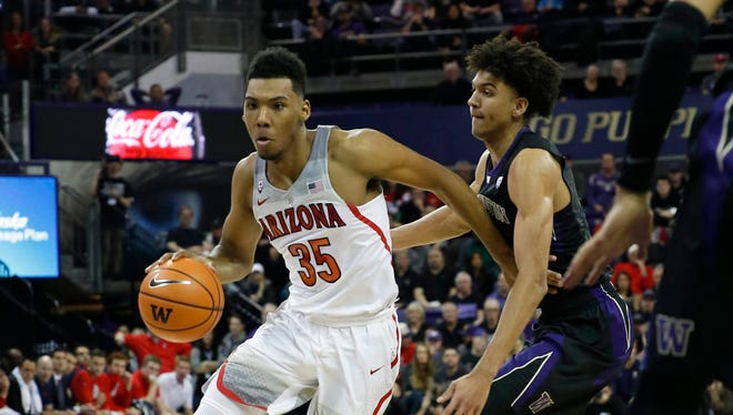 Feb 3, 2018: Arizona Wildcats guard Allonzo Trier (35) dribbles around Washington Huskies guard Matisse Thybulle (4) during the first half at Alaska Airlines Arena.