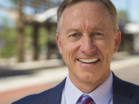 Mesa Mayor John Giles.