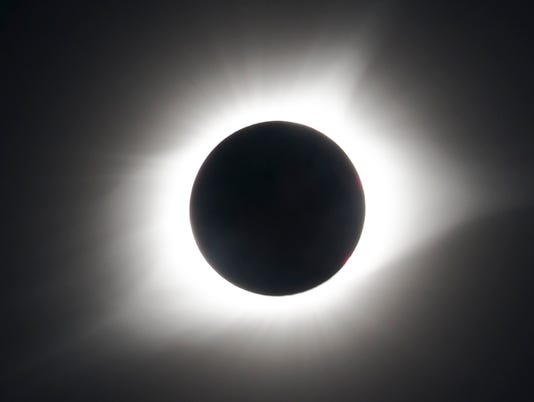 636390839411511443-Total-eclipse.jpg
