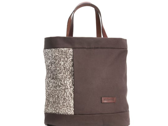 Diamond Brand Gear collaborated with the Biltmore Estate to create the Biltmore Renaissance Collection of travel bags, including the Tote, which can be converted to a backpack.