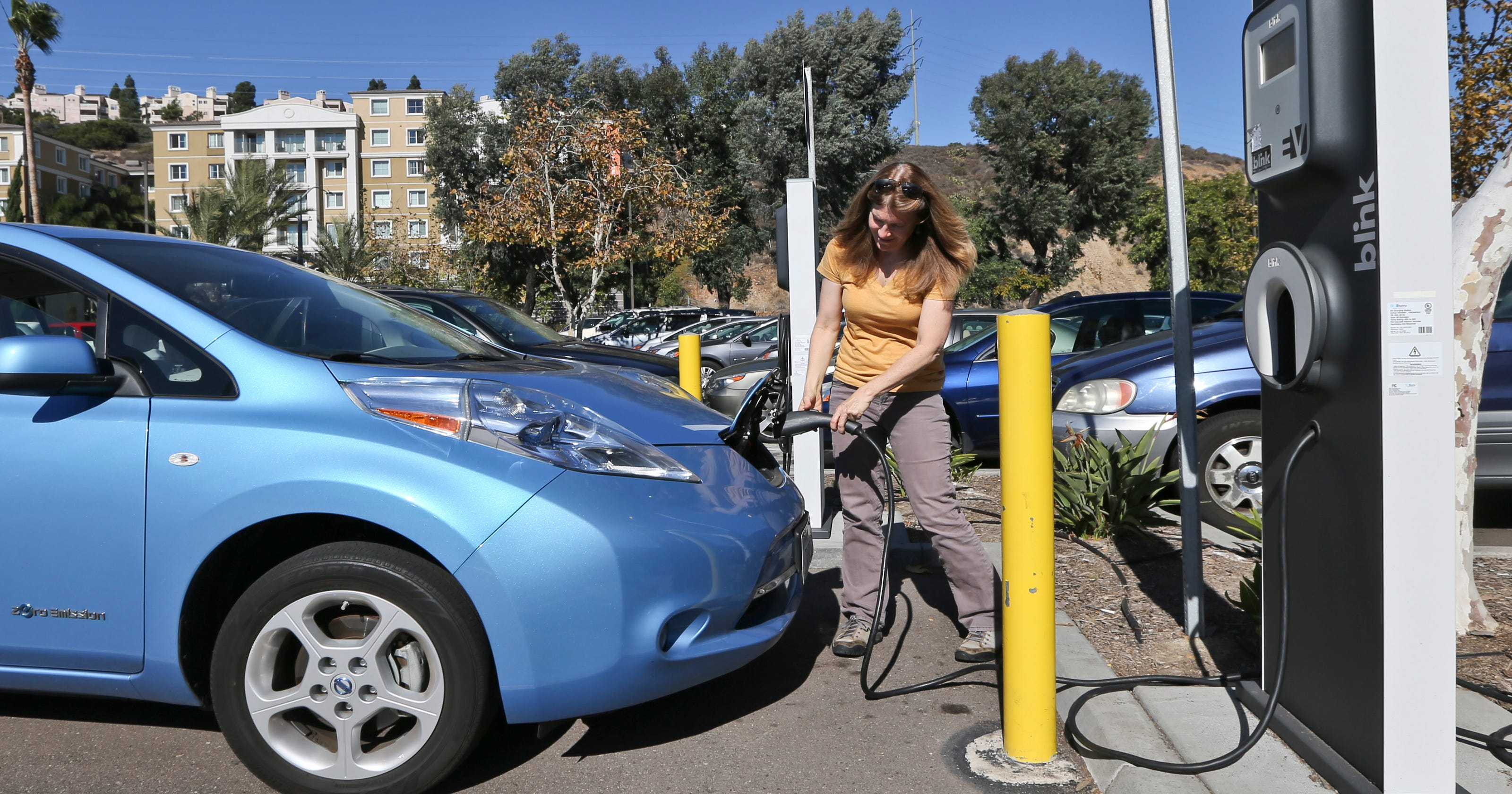 Electric Car Ers Will Still Get Incentives Under Tax Cut Bill
