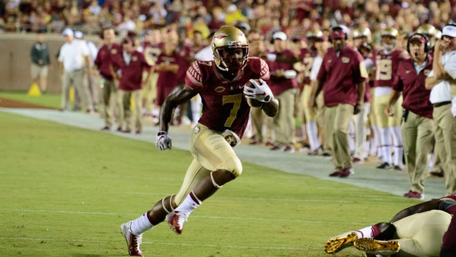 Mario Pender (7) sprints down the field during the Saturday, September 5, 59-16 victory against Texas State at Doak Campbell Stadium in Tallahassee, Florida.