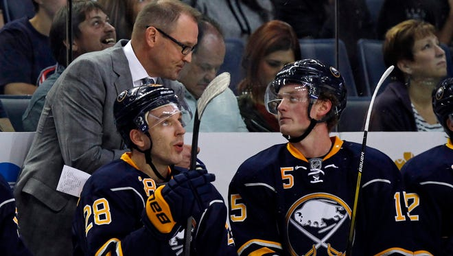 Dan Bylsma, Jack Eichel (15) and the Buffalo Sabres will face the Flyers twice this week