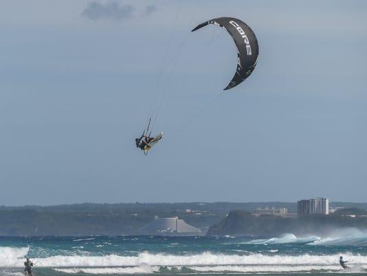 635894518992830437-Wild-art-kite-surfing-04.jpg