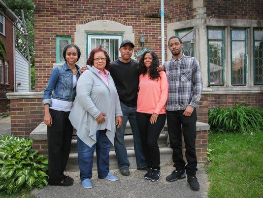 636020928967010810-house-family.jpg