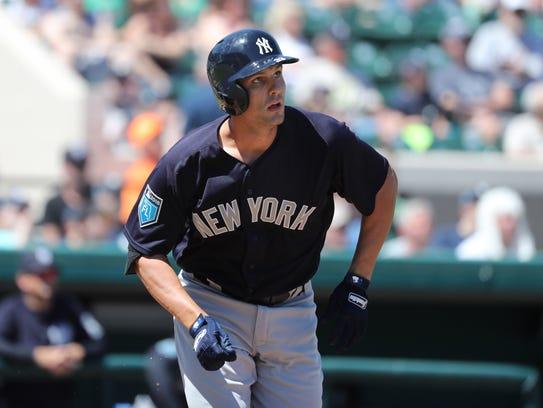 New York Yankees first baseman Greg Bird (33) doubles