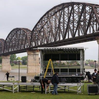 The Big Four Bridge is the backdrop to Bernie Sanders's