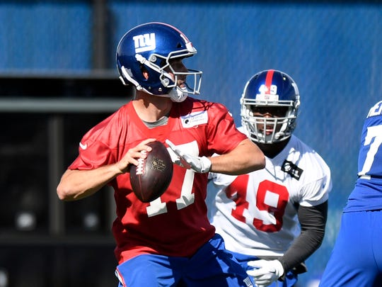 New York Giants quarterback Kyle Lauletta #17 throws the ball during rookie minicamp in East Rutherford, NJ on Friday, May 11, 2018.