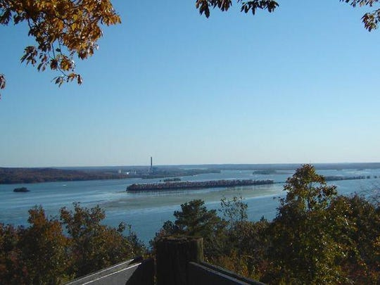 Nathan Bedford Forrest State Park overlooks the Tennessee River.