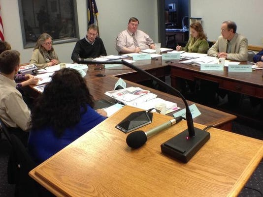 -cascade county commission online.jpg_20140313.jpg