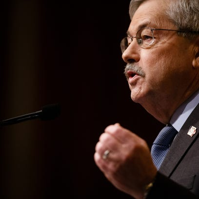 Editorial: Branstad's legacy is dissing, dismissing public workers