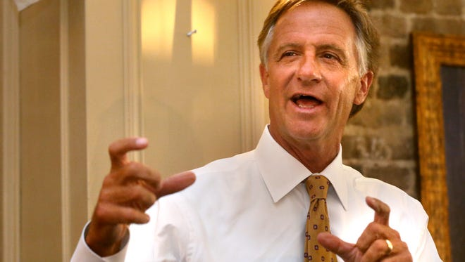 Gov. Bill Haslam speaks during an appearance at Maple Street Grill in Murfreesboro Tuesday.