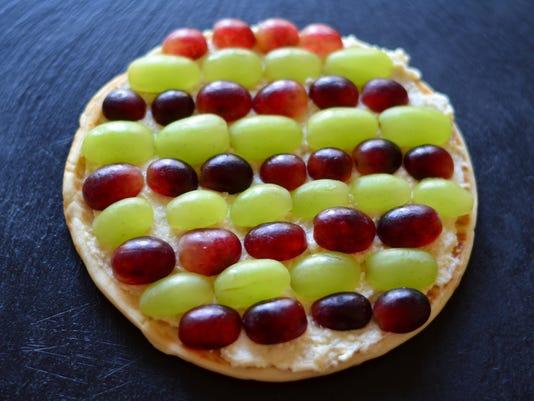 636541188735995674-grape-pizza.JPG