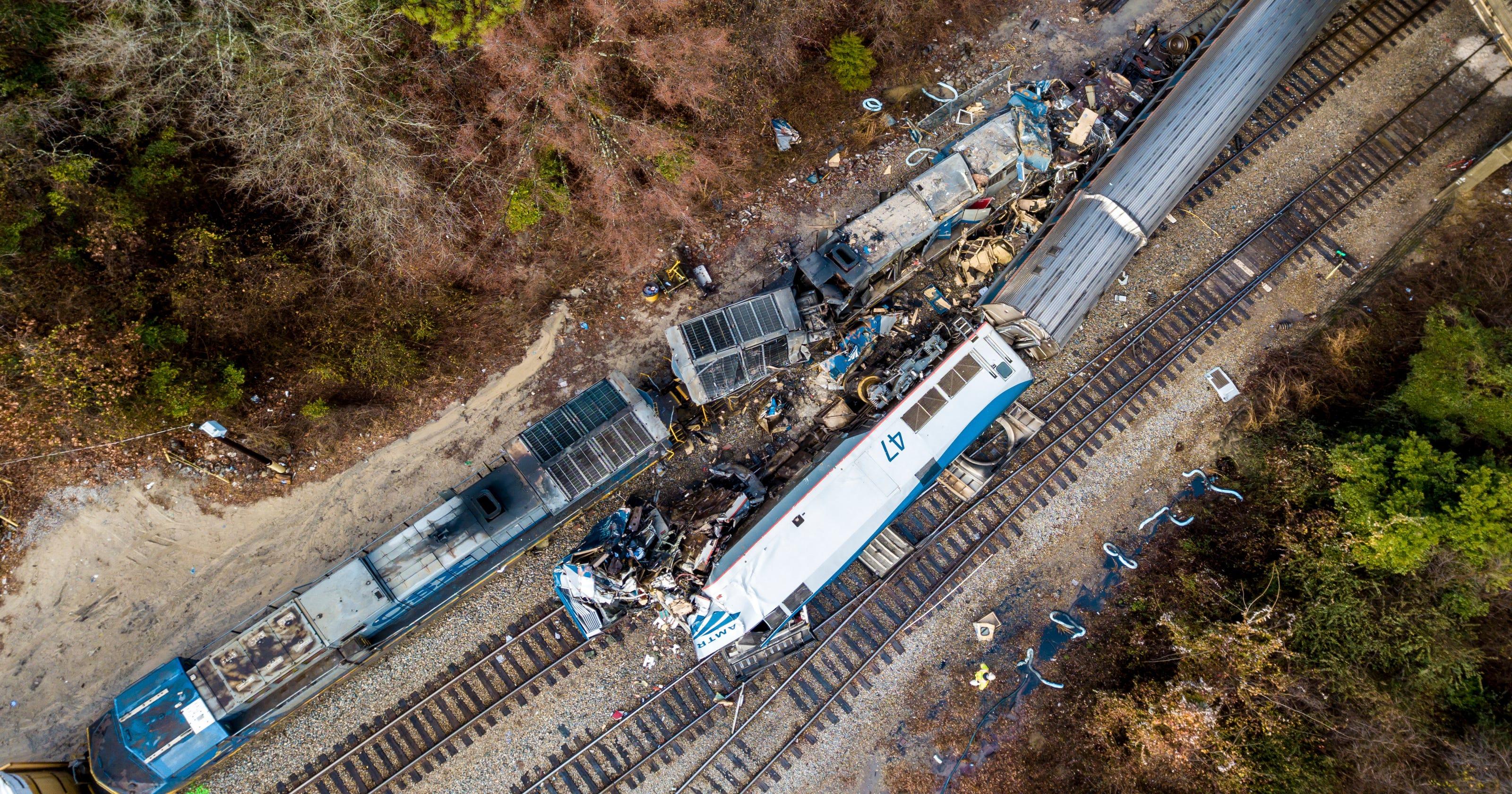 At least 2 dead, dozens injured in South Carolina train collision