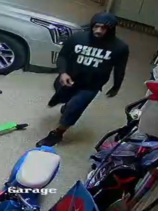 636352747344633663-Suspect4.jpg