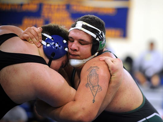 Stephen Decatur's Ean Spencer battles Parkside's Jose Vasquez at the Bayside wrestling championships on Saturday, Feb. 18, 2017 in Cambridge.