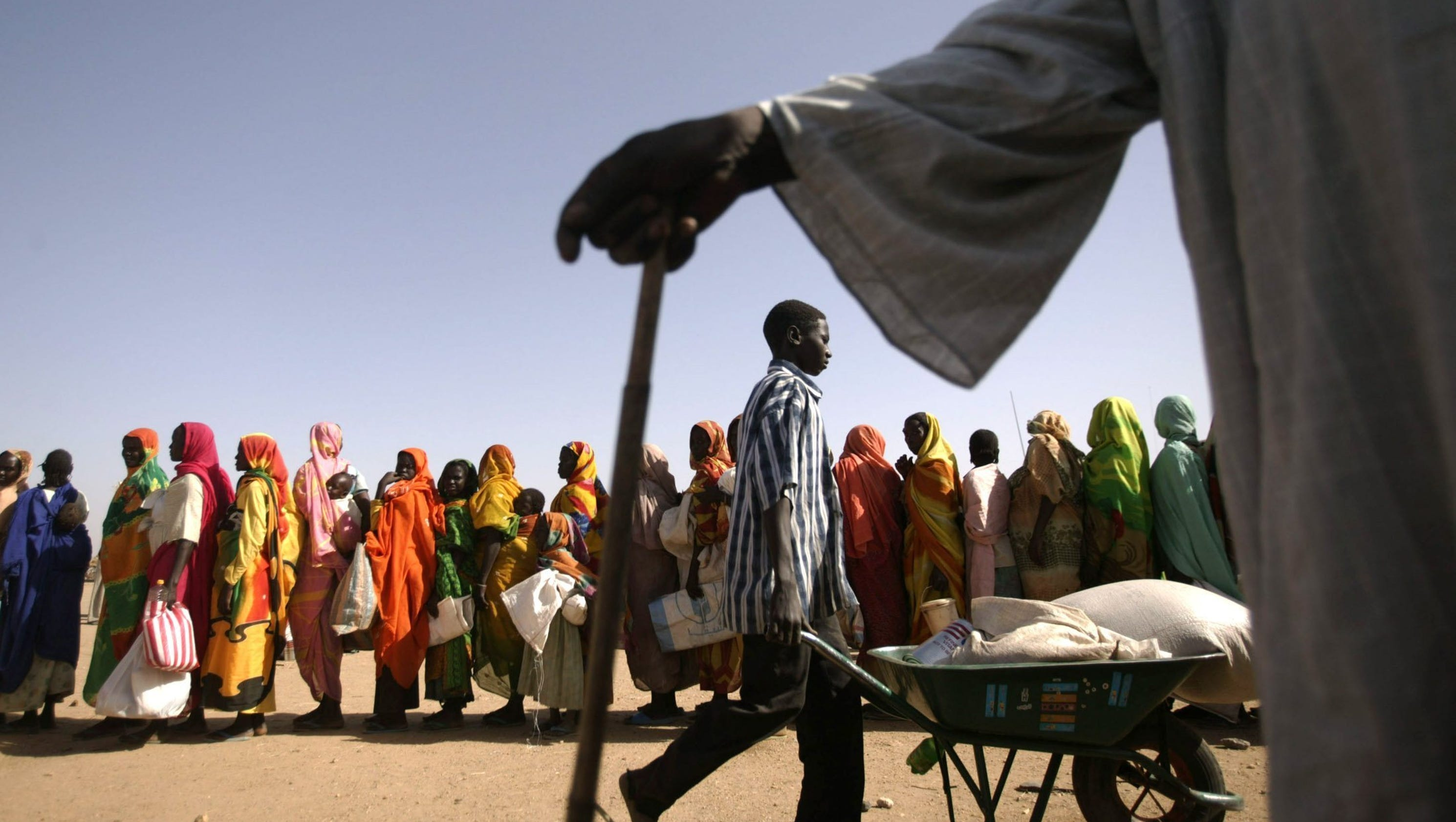 the crisis in darfur sudan Sudan's president omar al-bashir and the main rebel group in darfur, the justice and equality movement (jem), are about to sign a ceasefire it is being seen as an important step to achieving peace before a national election in april.