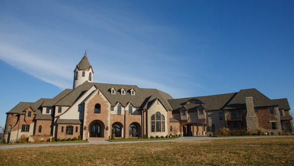 Cole and Heidi Hamels donated their Stone County mansion