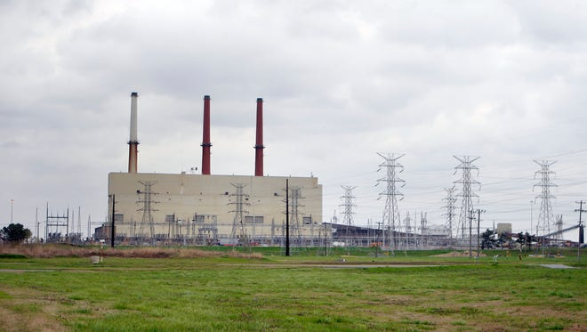 March 24, 2017 - Scheduled for retirement next year is the 58-year-old TVA Allen Fossil Plant, the largest single source of air pollution in Shelby County.