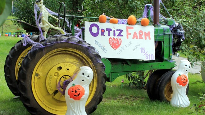 Ortiz Farm, on Route 140 in the Oakdale region of West Boylston, is ready for fall and Halloween.