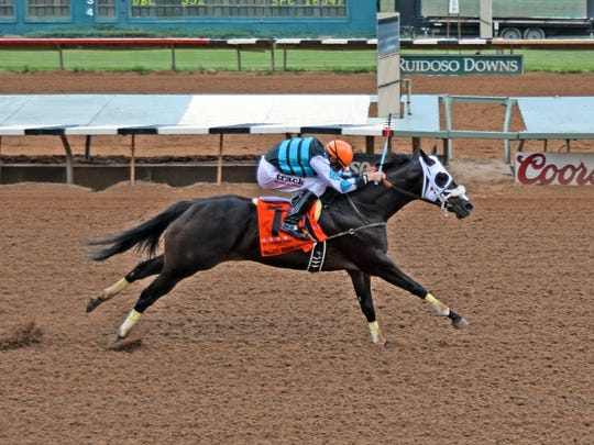 Valiant Rogue easily wins the 2016 Grade 1, $1,224,488 Rainbow Derby at Ruidoso Downs.