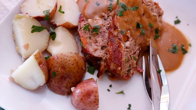 Chef Terrie Kohl's Irish meatloaf boasts Irish cheddar cheese and Guinness Stout among the ingredients in this tasty dish. Served with potatoesâ?¦ and more Guinness.