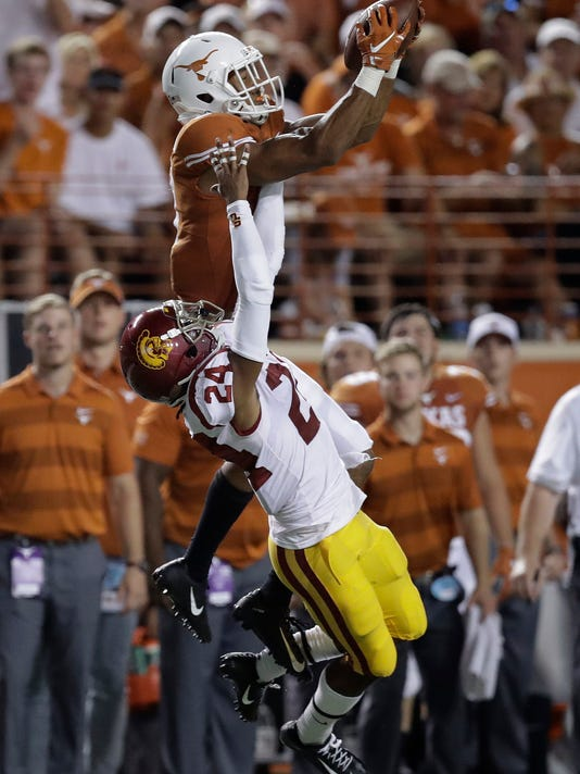 APTOPIX_USC_Texas_Football_18196.jpg