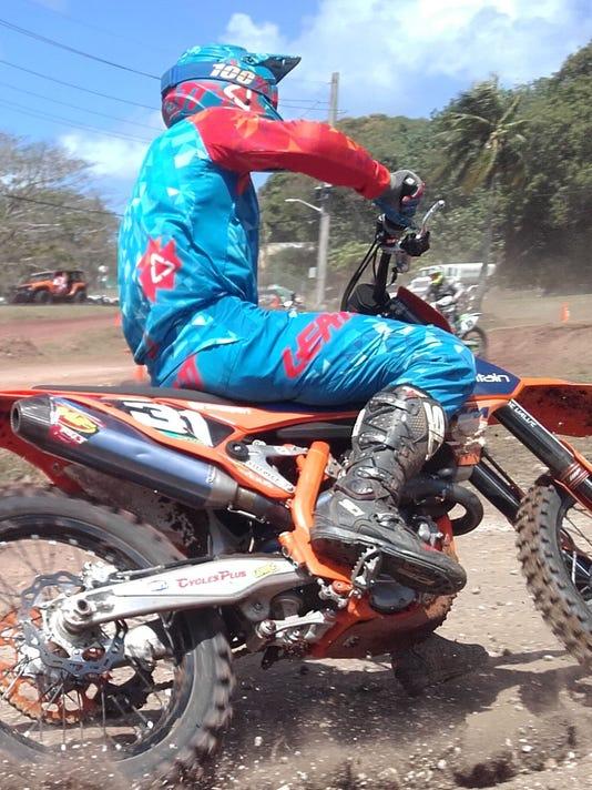 636558795048342901-moto1.jpg