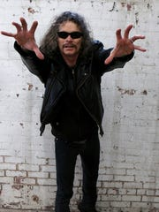 Overkill front man suggests that up-and-coming bands rely more on handshakes than tweets.