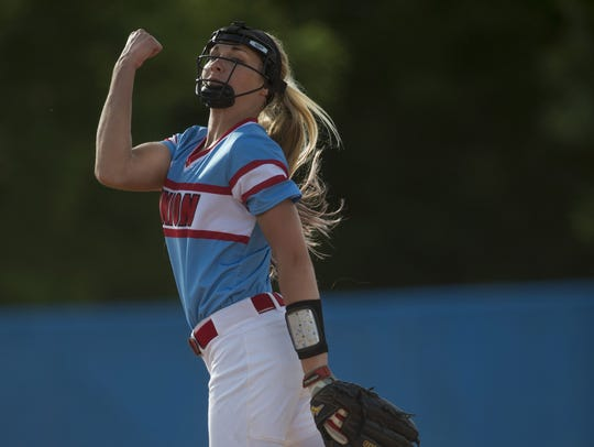 Union County's Evyn Hendrickson delivers a pitch to