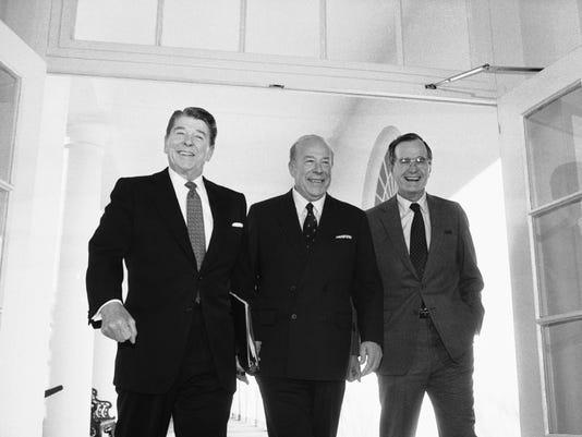 Ronalad Reagan, George H,W, Busch, George Schultz