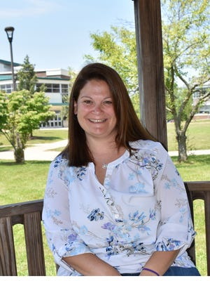 The New Jersey Council of County Colleges presented the 2017 Community College Spirit Award to Kathryn Suk, assistant professor of education at Raritan Valley Community College, for her exemplary support of New Jersey's community colleges.