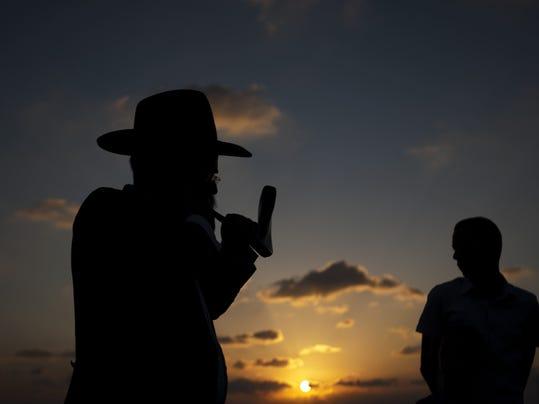 -MORBrd_09-30-2011_Daily_1_A008~~2011~09~29~IMG_Mideast_Israel_Pales_3_1_E3E.jpg
