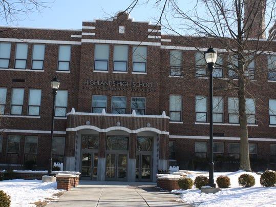 Highlands High School front.JPG