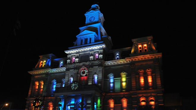 Zanesville Courthouse Christmas Lights 2020 Courthouse lights up downtown Zanesville