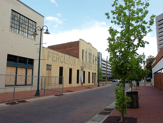 For many developers and city planners, Farish Street's potential has been often compared to the iconic Beale Street in Memphis. At various stages throughout the years, more than $100 million in proposed economic investment projects have mentioned the addition of a slew of businesses including a blues clubs, restaurants, movie and recording studios, and even a gospel museum. Some officials, though, say a Beale Street concept is overly ambitious when one considers Jackson's financial realities.