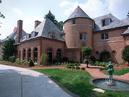 Knollward Mansion. 13 of many