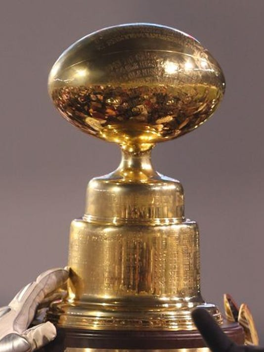 635902890634988642-Egg-bowl-trophy.jpg