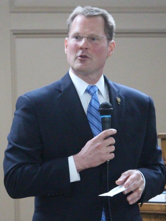 Bryant-at-GOP-meeting