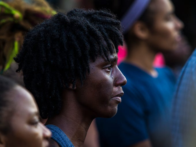 FSU student Janay Stephens was brought to tears during