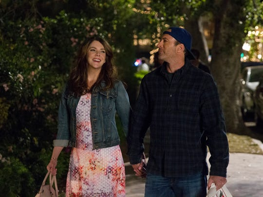 Lauren Graham, left, and Scott Patterson star in Netflix's