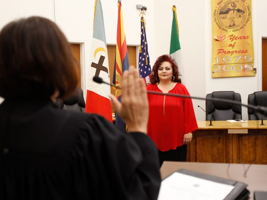 Anita Luera Cota takes the oath as a new councilwoman