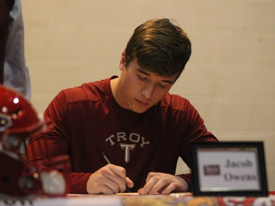 Leon wide receiver Jacob Owens signed with Troy University.