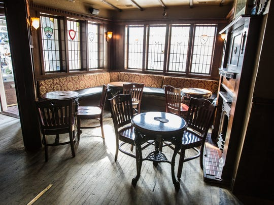 Corner Wine Bar's complex includes The Wellington, pub with a traditional British feel. Open since 1982, Corner Wine Bar will be sold, remodeled and renamed in March 2018.