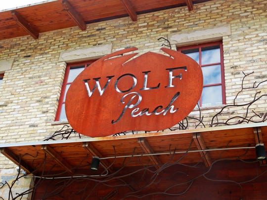 Wolf Peach, 1818 N Hubbard St., is in its final days.